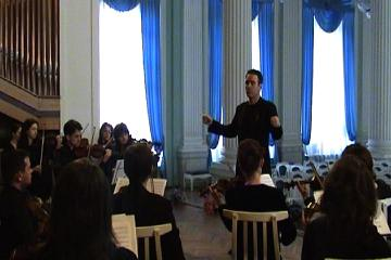 Crispin conducting the Moldovan Chamber Orchestra